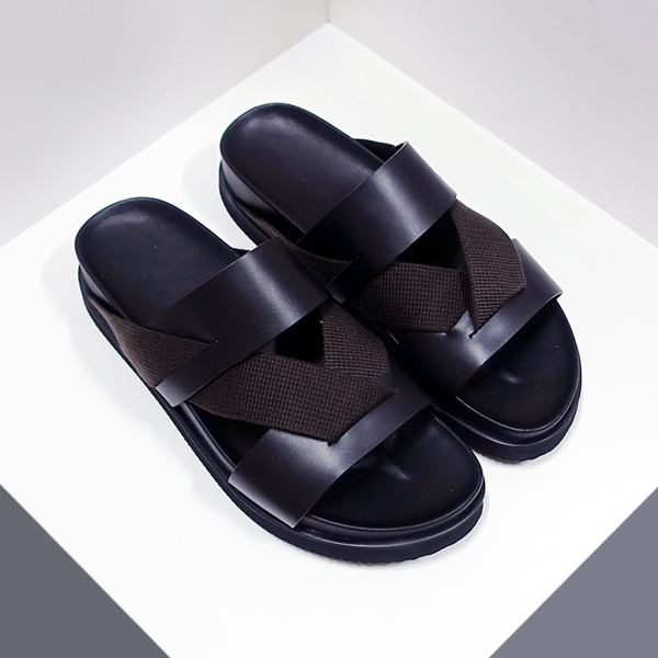 VW slippers _dark brown